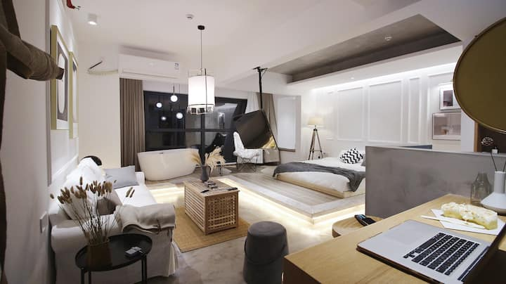 【旭小舍Xu house】设计师民宿|独特风格|开放式布局|大一居|临近奥体中心和万达广场|观山湖区