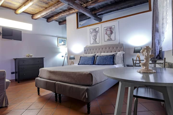 Double Room Salerno in Historical Building