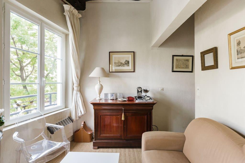 Good news awaits at bonne nouvelle apartments for rent for Chambre de bonne paris rent