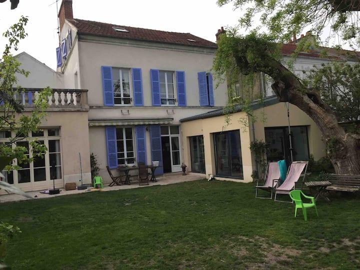 House in Meaux close Disney or Paris 10 persons