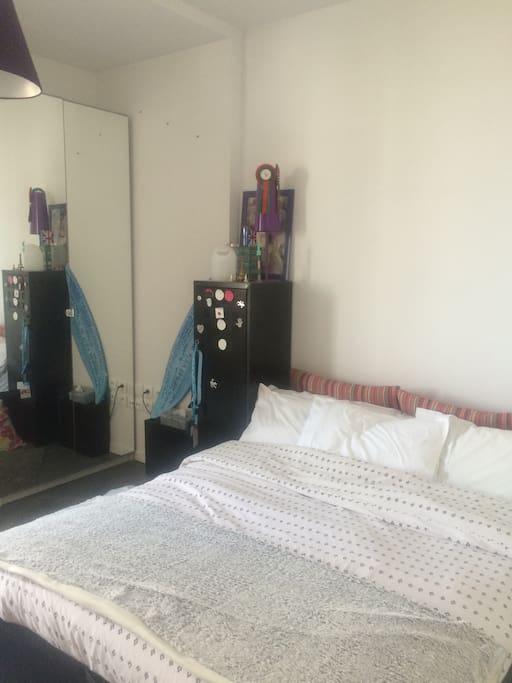 Chambre avec lit de 140 et terrasse appartements louer for Location appartement terrasse bordeaux