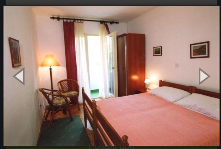 PrivateEnsuite Room double bed, private kitchen