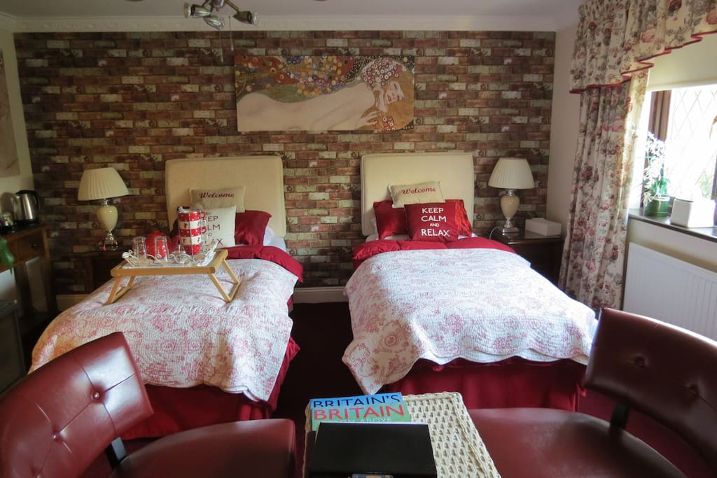 The Ruby room is a twin bedded room with an en-suite.