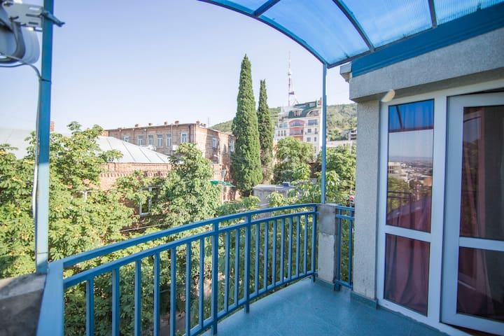 Дом в центре города, старый Тбилиси - Tbilisi - House