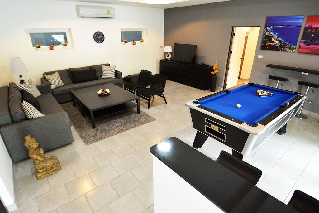 Entertainment room, sitting area, multimedia and pool