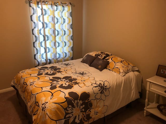 2 Clean rooms / Quiet / Nice / Round Rock TX