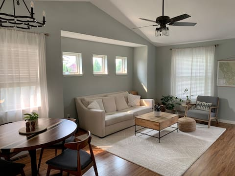Bright, spacious, newly built and furnished