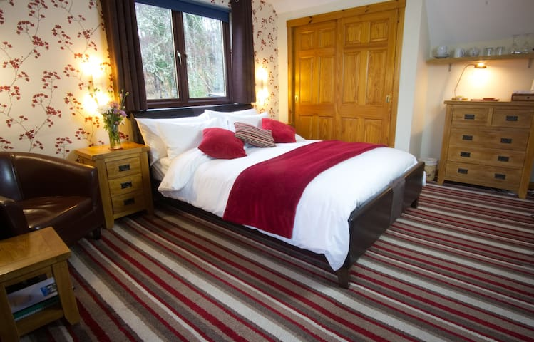 Stylish Room Overlooking Loch Ness