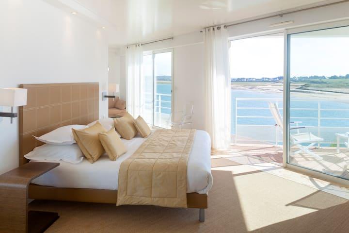 Chambre Triple Balcon mer