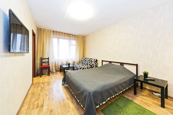 Cozy Apt close to 2 metro stations - Moskva - Lejlighed