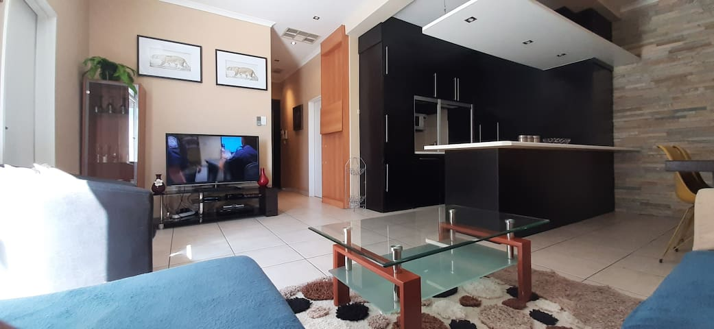 Luxe Self Catering two bedroom At Maerua Mall