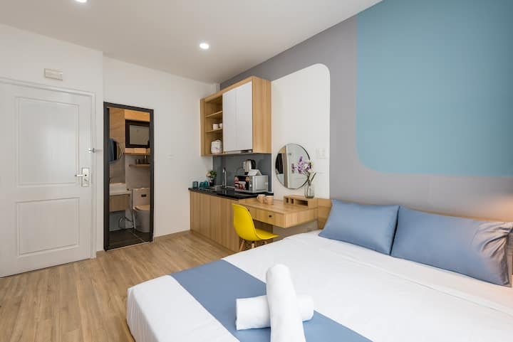 Cozrum Homes - Business Suite @Upper Flo & Centre