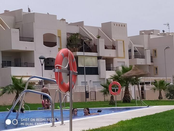 Apartamento, golf, playa y naturaleza en Almería