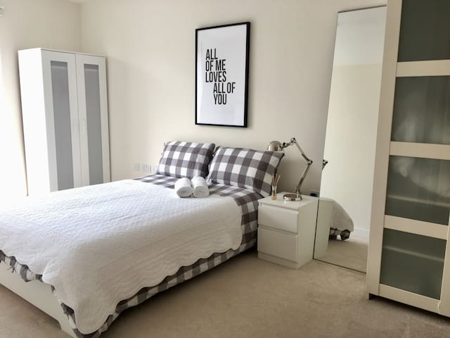 Modern Double Bedroom by Colindale Tube Station