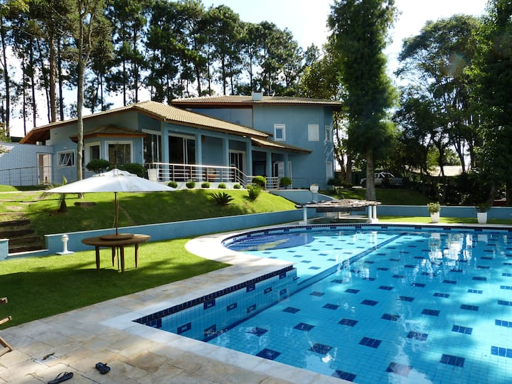 The Blue Mansion (25kms from São Paulo) - HOSTING
