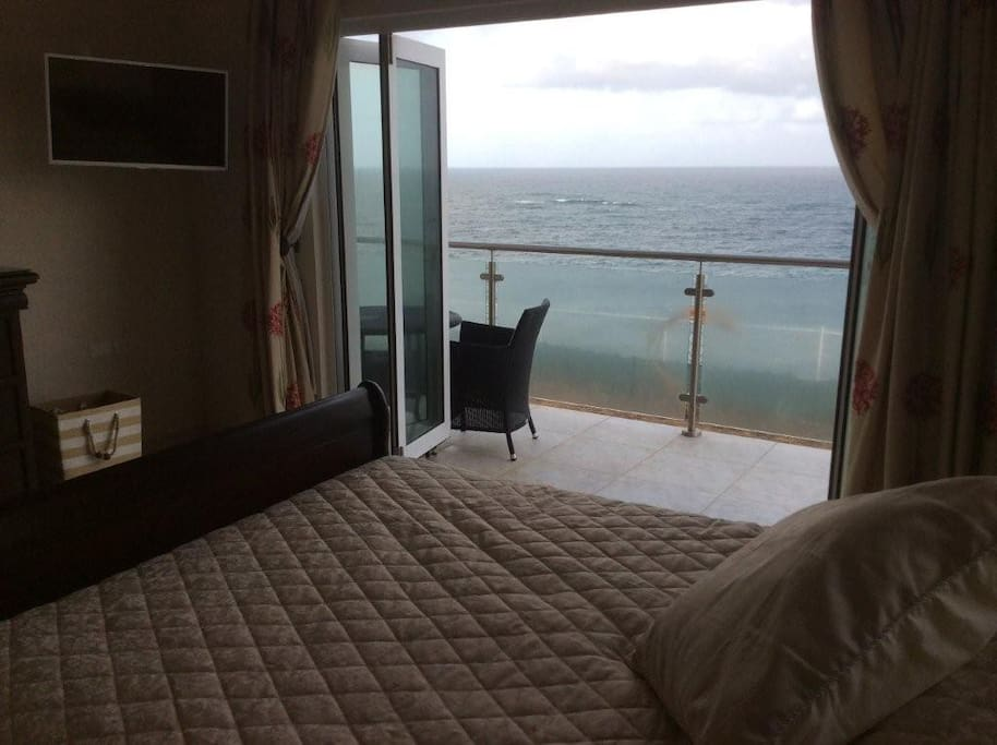 Master Bed with  sea view