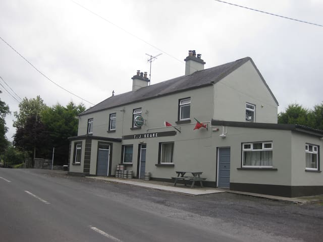 River View House and country pub Crossboyne - Claremorris - Huis