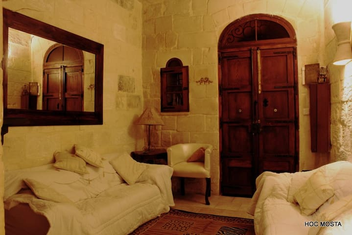 Cosy Character House Mosta DomeArea - Mosta