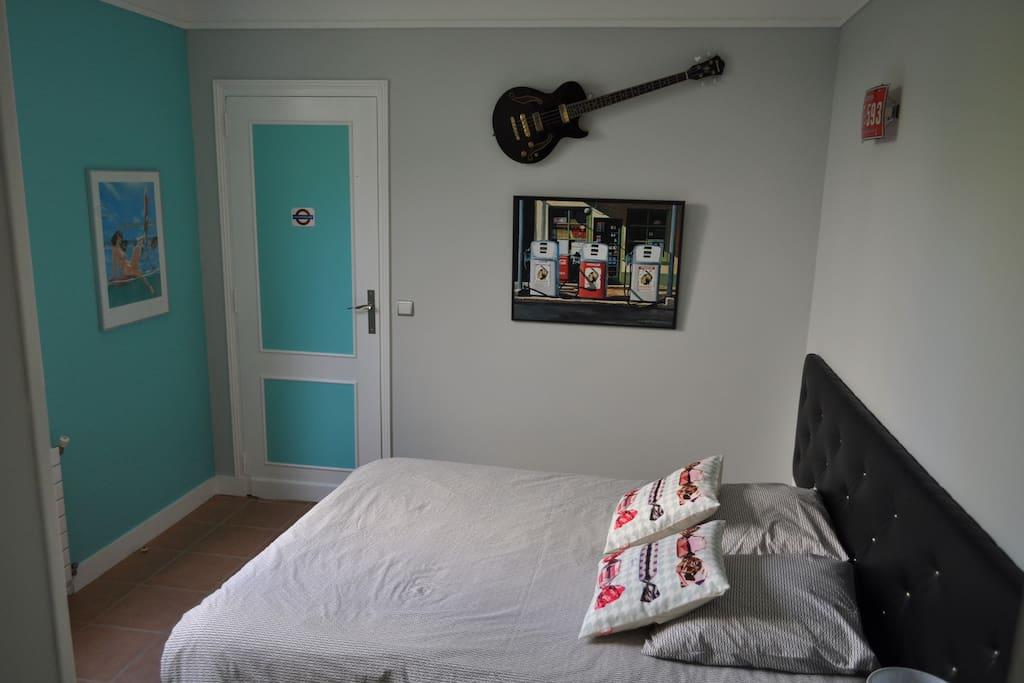 Chambre N°2  Lit 160x200 12 m²