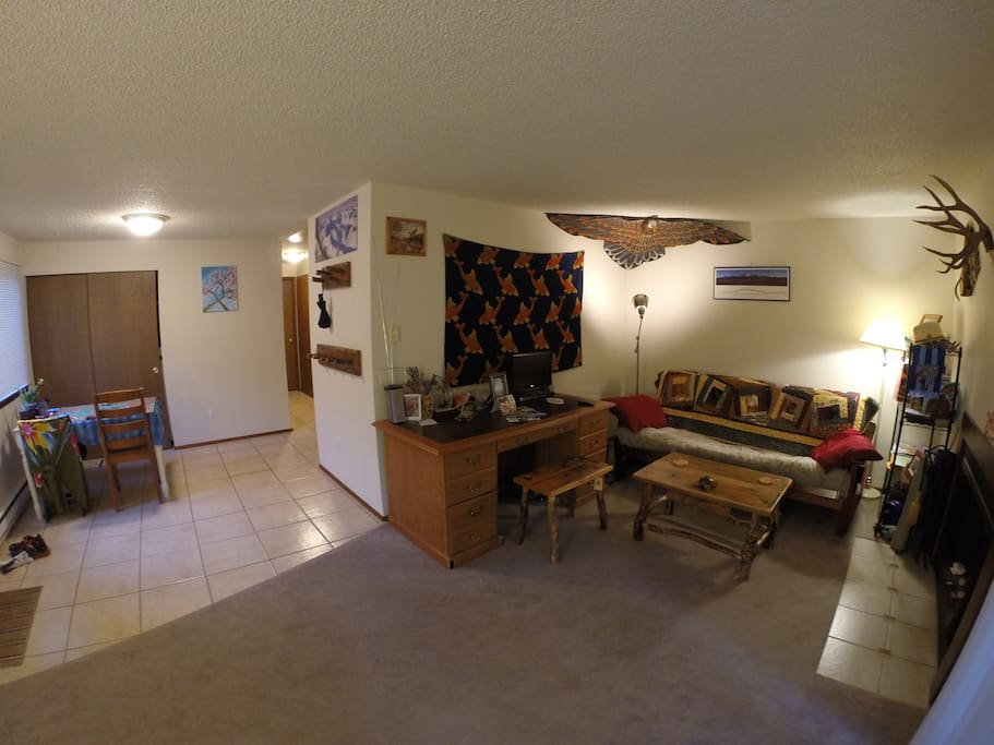 Living and dining room layout at the Osprey's Nest