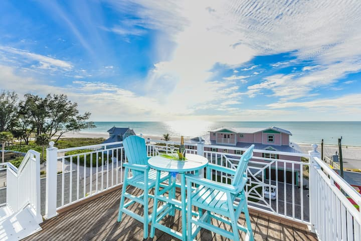 Avalon - Lovely island beach house, 4 bedrooms, pool, rooftop deck, steps from the beach!