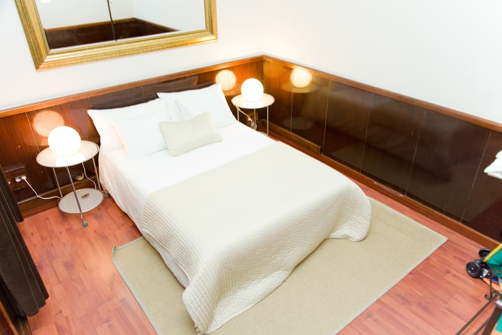 Deluxe 5 Bedroom Gracia Flat