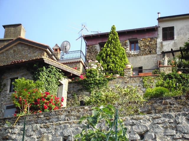 Holiday-Apartment in Liguria/Italy - Perinaldo - Appartement