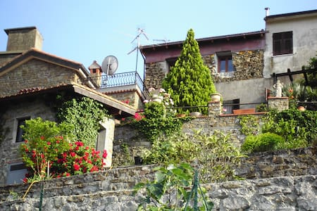 Holiday-Apartment in Liguria/Italy - Perinaldo