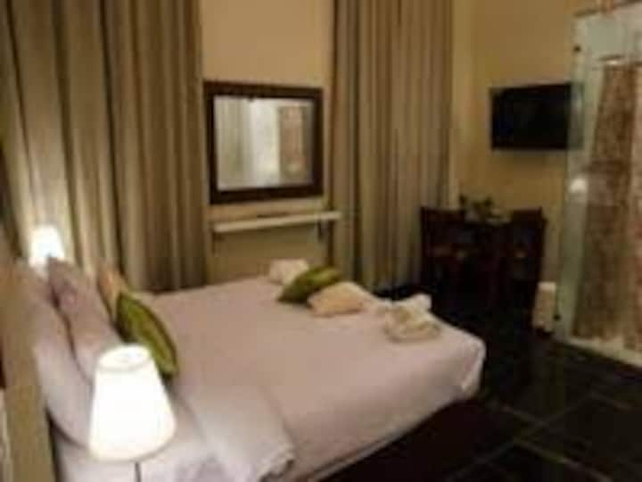 Agor private single use room private bathroom B.B.