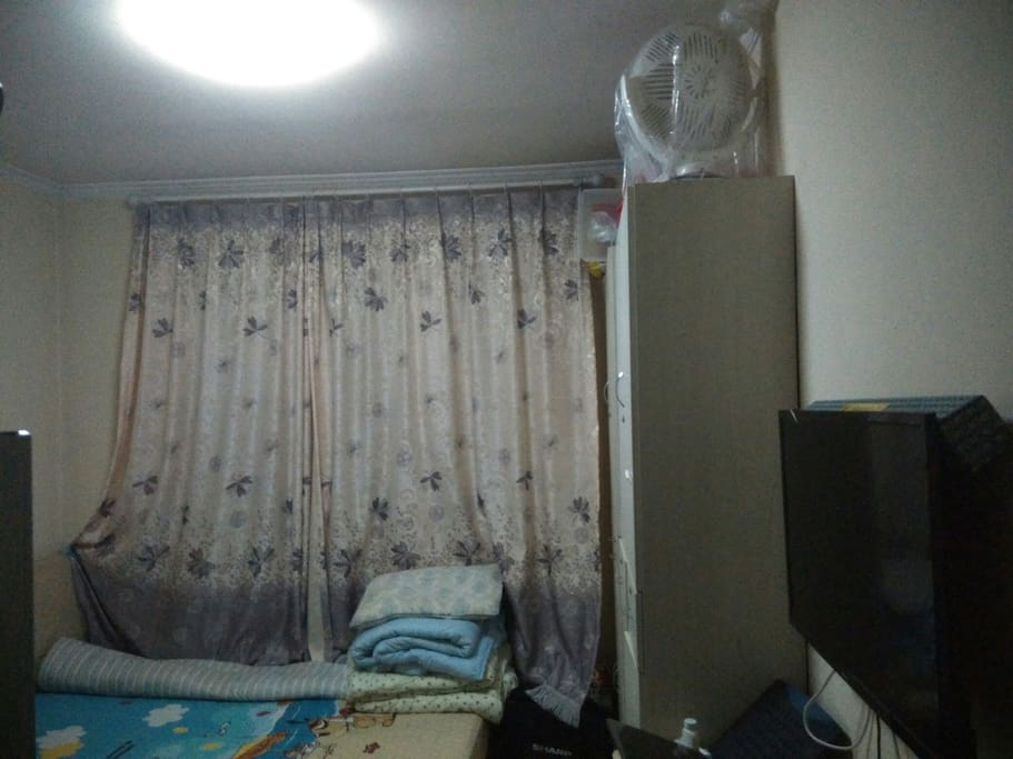 有电视大床
