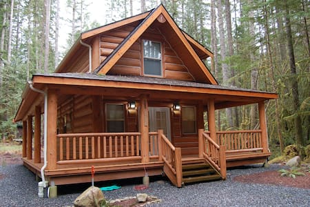 Beautiful Log Cabin near Mt. Baker. 2 Bd/1.5 Bath - Deming