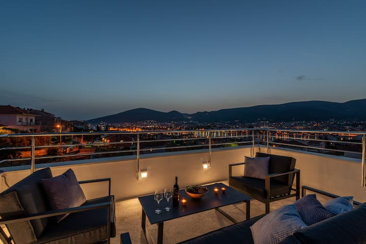 Rooftop terrace with AMAZING VIEW Relax zone