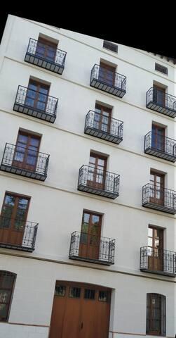 Los tres balcones