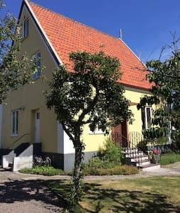 Villa med närhet till strand & stad - Helsingborg