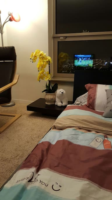 Welcoming polar bear by the bed