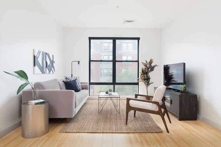 Sonder | Seaport District | Bright 2BR + Laundry