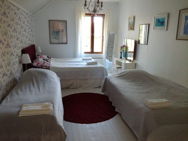 Spacious and tidy room for 4-5 people!