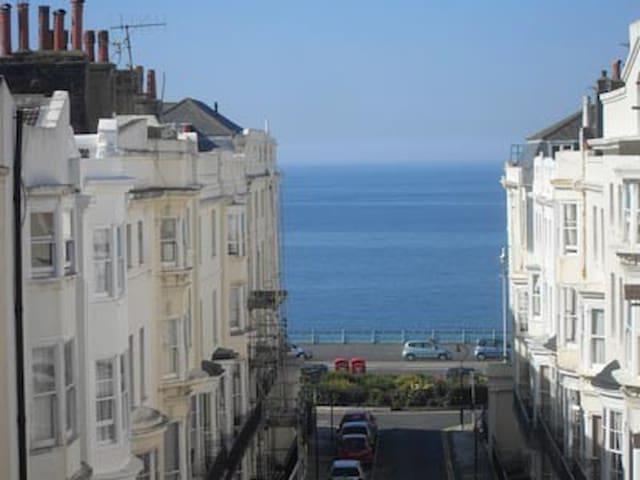 Seaview Brighton House Sleeps 15 - Owners listing - Brighton - Haus