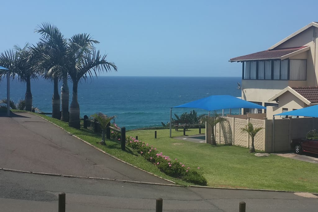 Unobscured views from the patio - watch the whales and dolphins at play