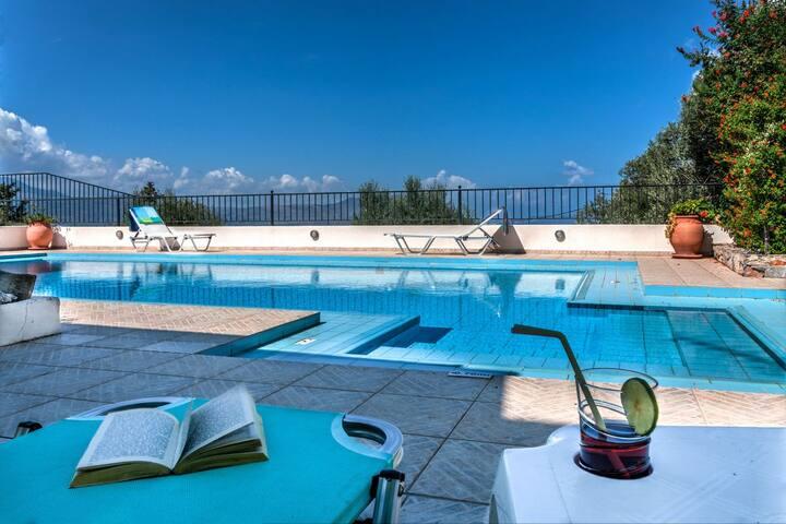 Villa Delfini, a private 3bd villa - Chania - Villa