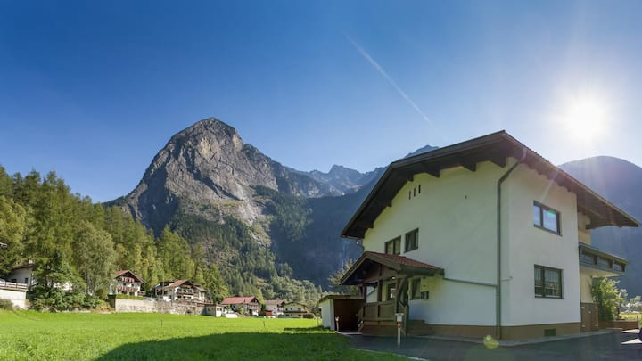 Haus Roswitha in Tumpen: Small and cosy in Oetztal