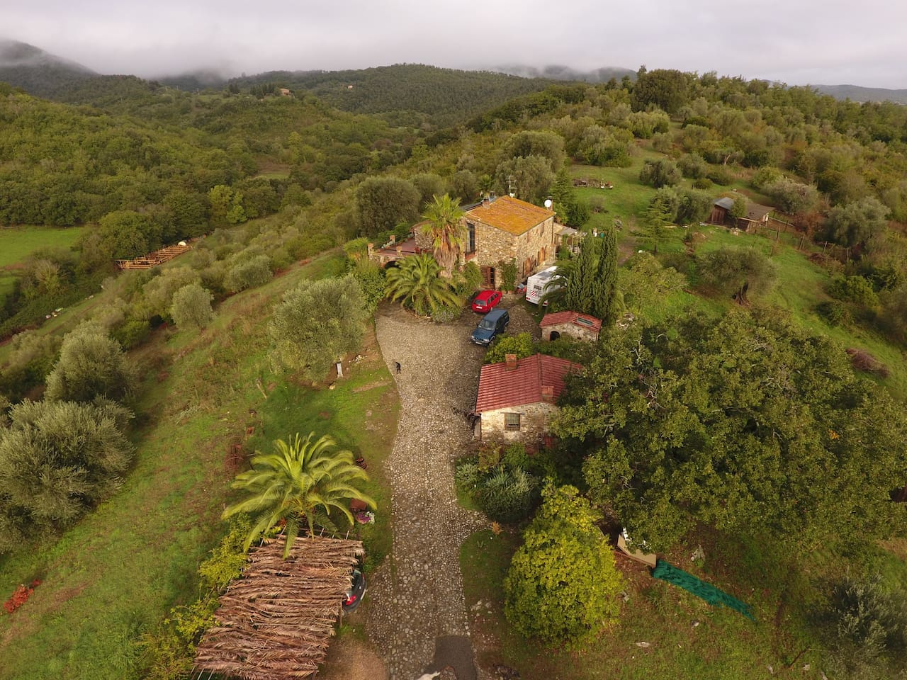 Your 500years old  holydayhouse ( farmhouse ) in the middle of the 50 ha farm on top of the hill and surrounded by the silence of nature