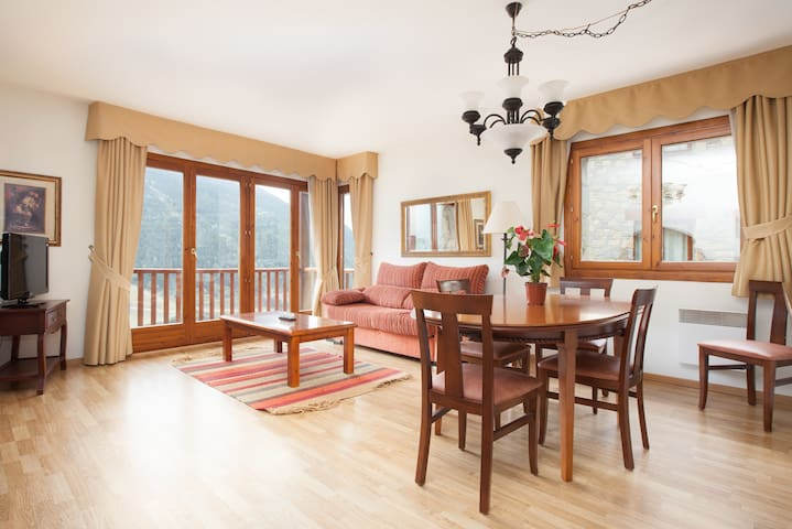 2 bedroom apartment with fireplace. tth31 - Canillo - Pis