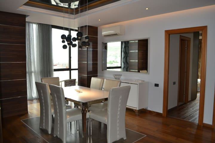 2 bedroom apartment luxury