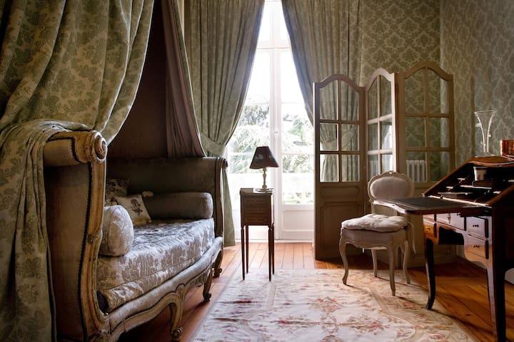 Chambre Classique, Château Pape Clément