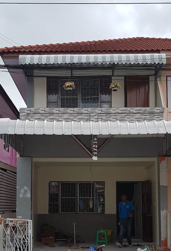 Nice House For rent near Bangpoo Industrial