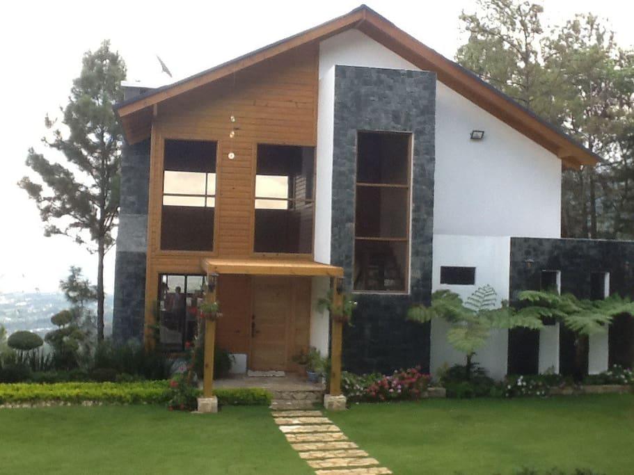 Elegante villa en jarabacoa villas for rent in jarabacoa for Villas en jarabacoa