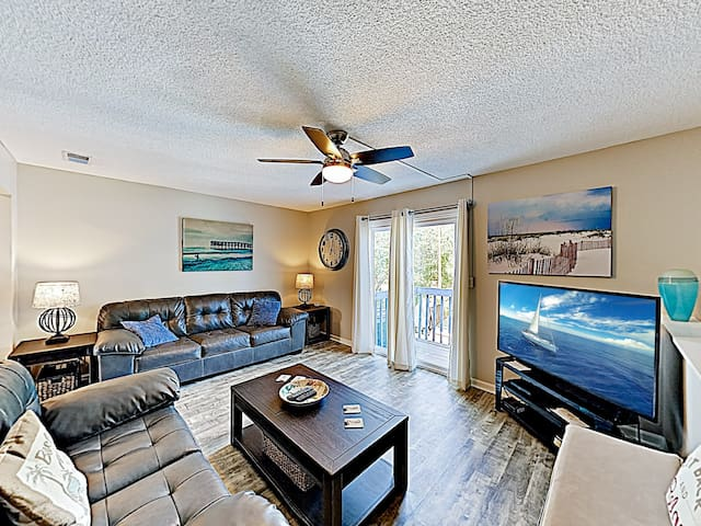 New Listing! Seawalk Condo w/ Pool, Near Beach