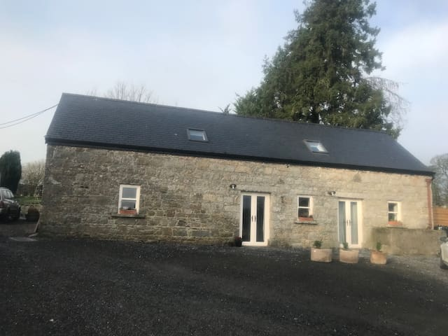 The Stablehouse (Mountain View Room)