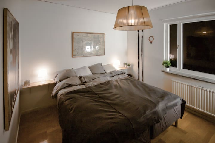 Bright & cosy room close to arlanda and city